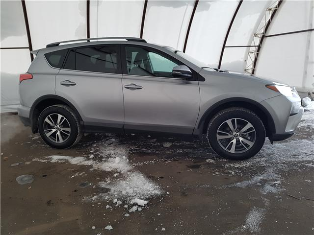 2018 Toyota RAV4  (Stk: 98341R) in Thunder Bay - Image 2 of 17