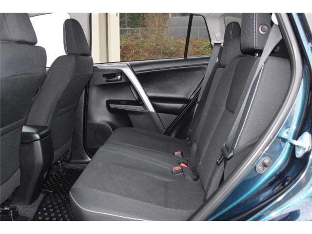 2017 Toyota RAV4 XLE (Stk: W370173) in Courtenay - Image 6 of 30