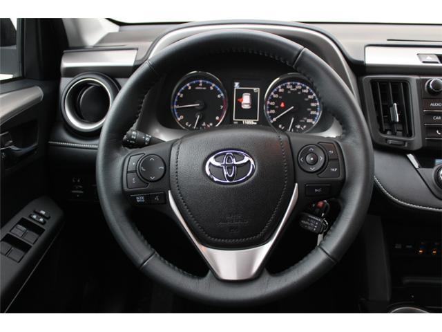 2017 Toyota RAV4 XLE (Stk: W370173) in Courtenay - Image 8 of 30