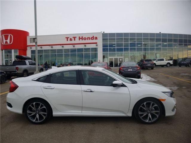 2019 Honda Civic Touring (Stk: 2190351) in Calgary - Image 2 of 9