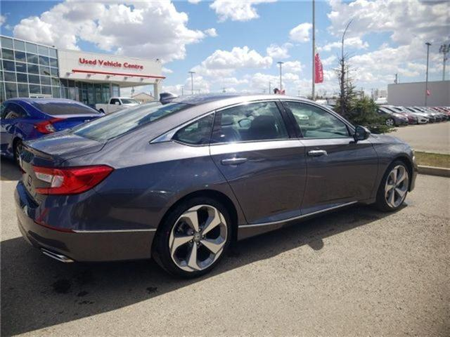 2018 Honda Accord Touring (Stk: 2180251) in Calgary - Image 2 of 9