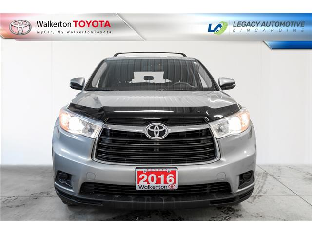 2016 Toyota Highlander LE (Stk: 19098A) in Walkerton - Image 2 of 12