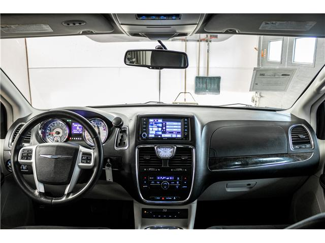 2016 Chrysler Town & Country Touring (Stk: P8021) in Kincardine - Image 14 of 25