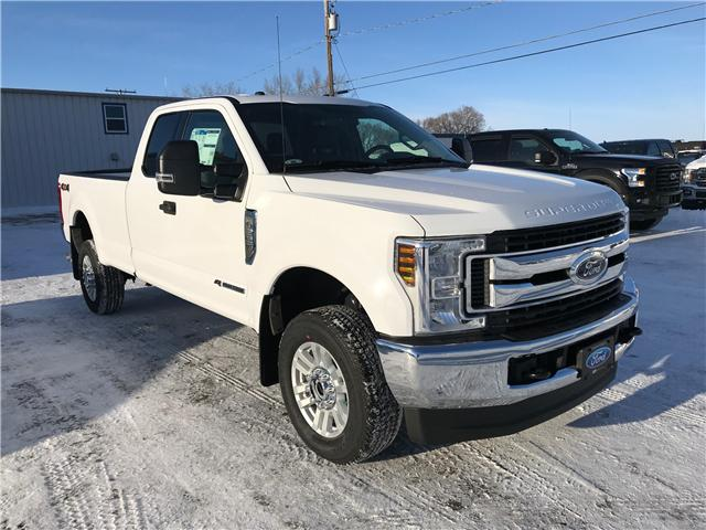 2019 Ford F-350 XLT (Stk: 9102) in Wilkie - Image 1 of 20