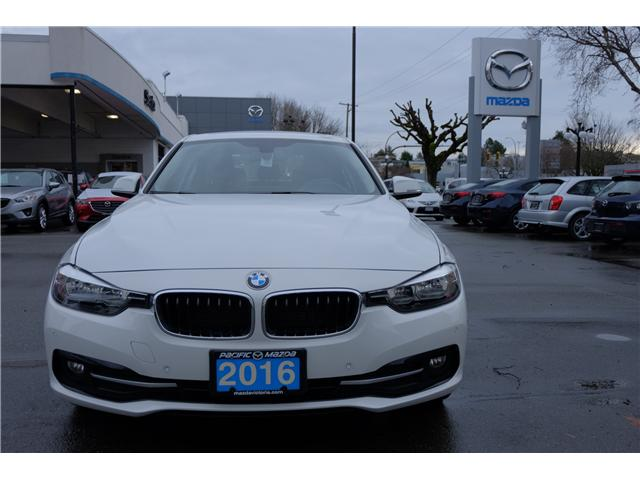 2016 BMW 320i xDrive (Stk: 7832A) in Victoria - Image 2 of 23