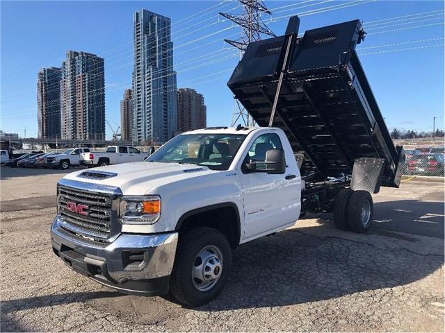 2019 GMC Sierra 3500 New 2019 Sierra 3500 4x4 Diesel Dump (Stk: DT95160) in Toronto - Image 1 of 9