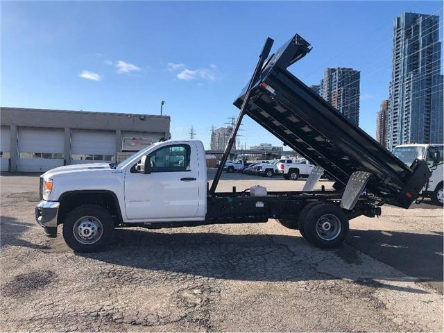 2019 GMC Sierra 3500 New 2019 Sierra 3500 4x4 Diesel Dump (Stk: DT95160) in Toronto - Image 2 of 9