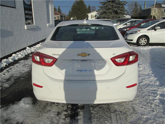 2018 Chevrolet Cruze LT Auto (Stk: 182143) in Kingston - Image 4 of 14