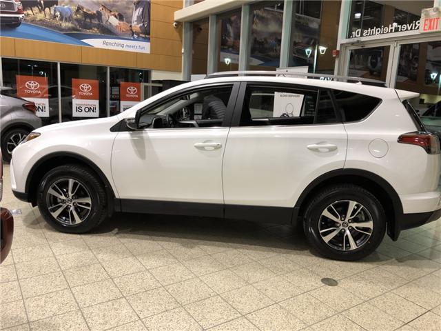 2018 Toyota RAV4 LE (Stk: 180302) in Cochrane - Image 7 of 17