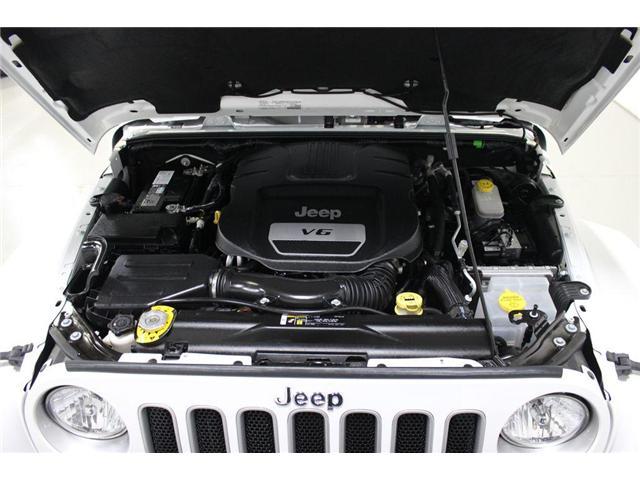 2017 Jeep Wrangler Unlimited Sahara (Stk: 668140) in Vaughan - Image 27 of 28