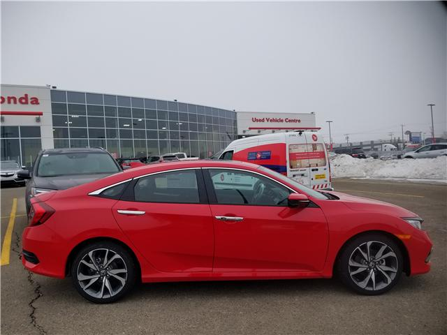 2019 Honda Civic Touring (Stk: 2190415) in Calgary - Image 2 of 9