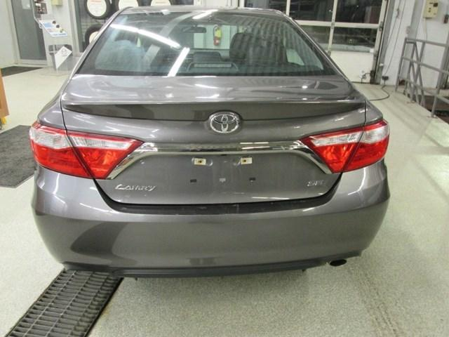 2017 Toyota Camry SE (Stk: M2591) in Gloucester - Image 4 of 19