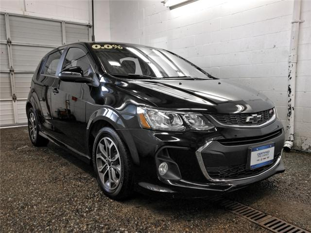 2018 Chevrolet Sonic LT Auto (Stk: P9-57170) in Burnaby - Image 2 of 25