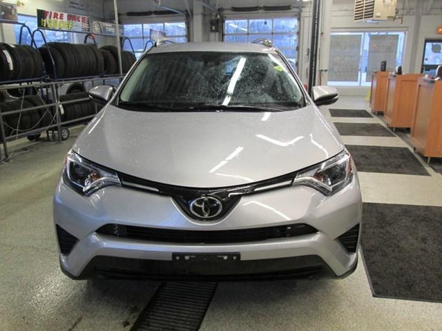 2018 Toyota RAV4 LE (Stk: M2592) in Gloucester - Image 8 of 20