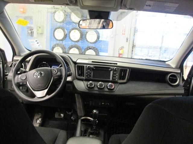 2018 Toyota RAV4 LE (Stk: M2592) in Gloucester - Image 16 of 20