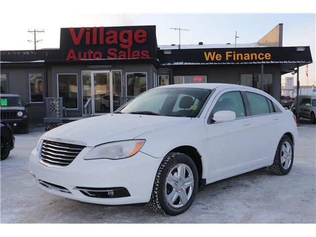 2013 Chrysler 200 Touring (Stk: P35881) in Saskatoon - Image 2 of 26