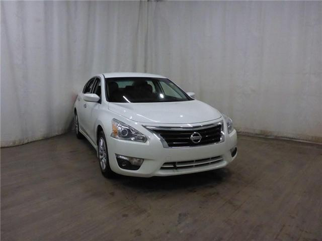 2014 Nissan Altima 2.5 S (Stk: 19011981) in Calgary - Image 1 of 27