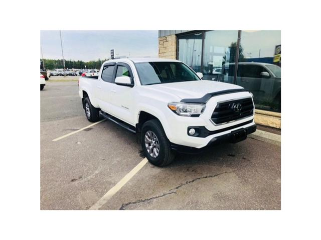 2018 Toyota Tacoma SR5 (Stk: 3585D) in Thunder Bay - Image 1 of 9
