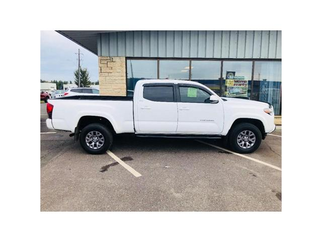 2018 Toyota Tacoma SR5 (Stk: 3585D) in Thunder Bay - Image 2 of 9