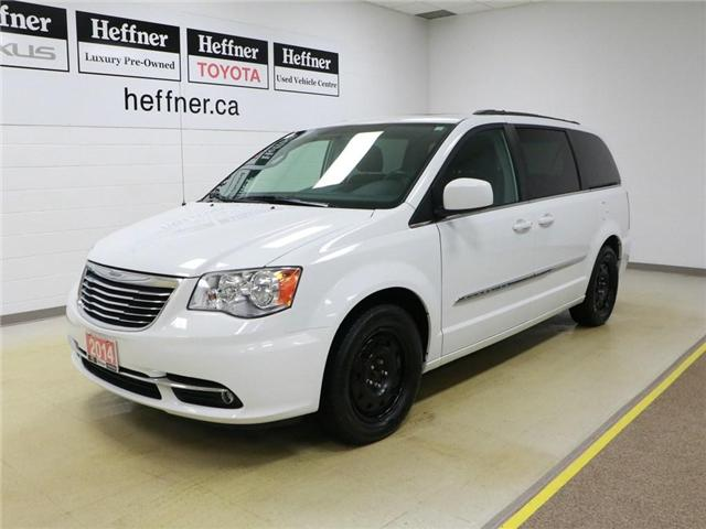 2014 Chrysler Town & Country Touring (Stk: 195022) in Kitchener - Image 1 of 30
