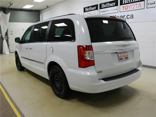 2014 Chrysler Town & Country Touring (Stk: 195022) in Kitchener - Image 2 of 30