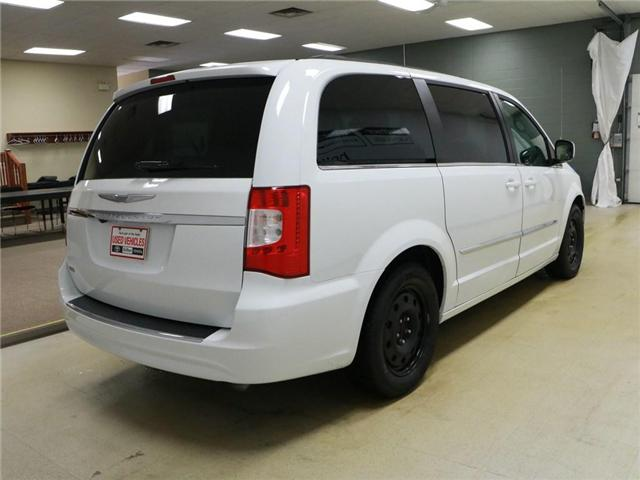 2014 Chrysler Town & Country Touring (Stk: 195022) in Kitchener - Image 3 of 30