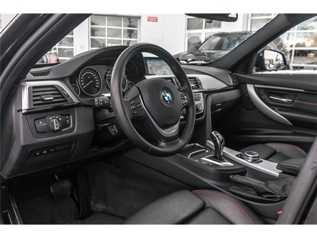 2017 BMW 330i xDrive Sedan (8D97) (Stk: U5278) in Mississauga - Image 2 of 17