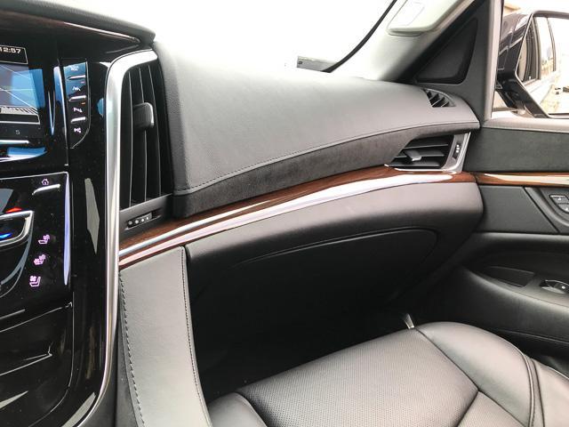 2018 Cadillac Escalade ESV Luxury (Stk: 971620) in North Vancouver - Image 24 of 26