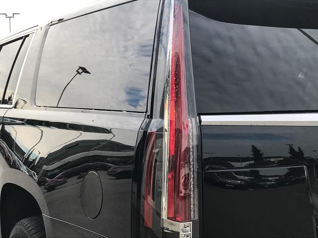 2018 Cadillac Escalade ESV Luxury (Stk: 971620) in North Vancouver - Image 12 of 26