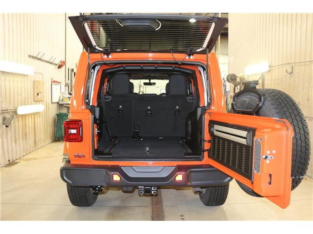 2019 Jeep Wrangler Unlimited Sahara (Stk: KT044) in Rocky Mountain House - Image 11 of 30