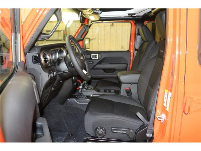 2019 Jeep Wrangler Unlimited Sahara (Stk: KT044) in Rocky Mountain House - Image 17 of 30