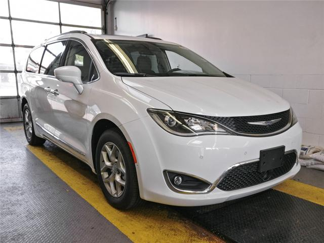 2019 Chrysler Pacifica Touring-L Plus (Stk: W411260) in Burnaby - Image 2 of 11