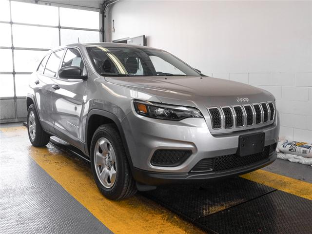 2019 Jeep Cherokee Sport (Stk: K746670) in Burnaby - Image 2 of 7