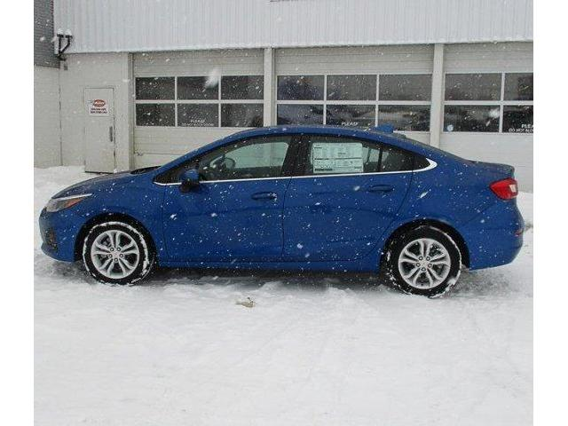 2019 Chevrolet Cruze LT (Stk: 19338) in Peterborough - Image 2 of 3