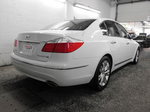 2009 Hyundai Genesis 4.6 (Stk: P9-57111) in Burnaby - Image 2 of 24