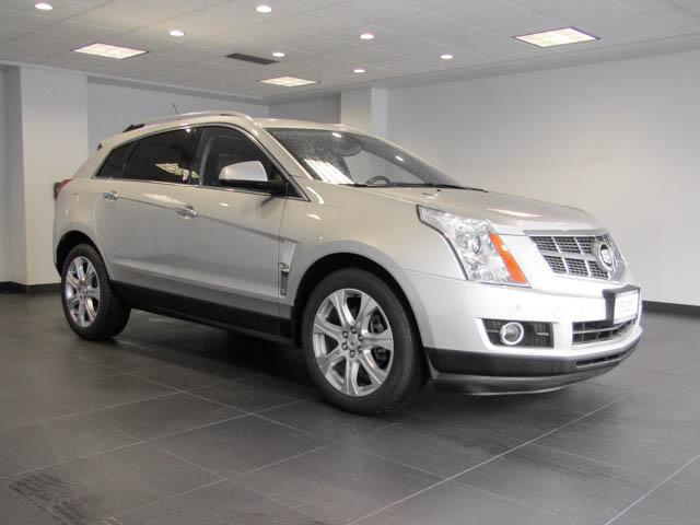 2010 Cadillac SRX Luxury and Performance Collection (Stk: C8-68631) in Burnaby - Image 2 of 24