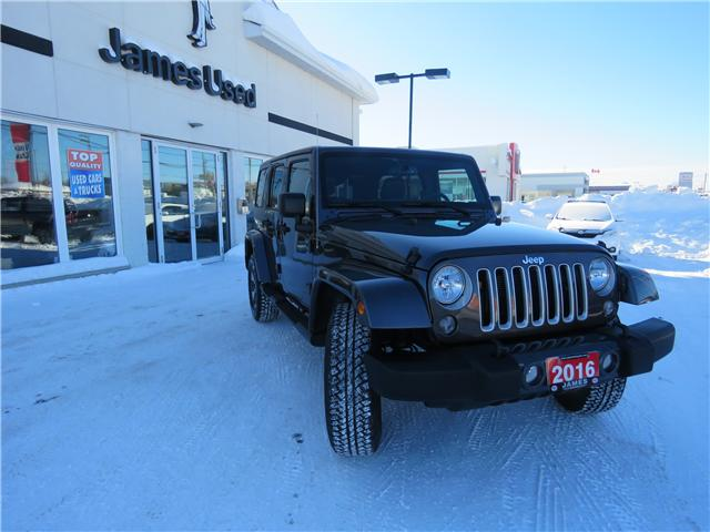 2016 Jeep Wrangler Unlimited Sahara (Stk: P02574) in Timmins - Image 2 of 8