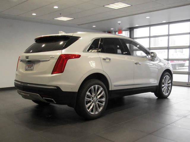 2019 Cadillac XT5 Platinum (Stk: C9-05580) in Burnaby - Image 4 of 24
