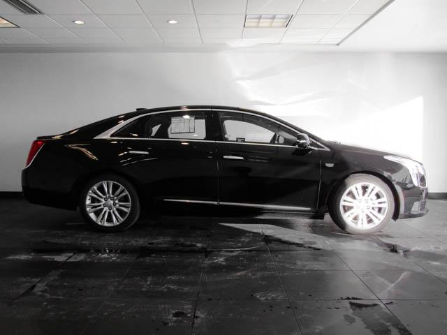 2018 Cadillac XTS Luxury (Stk: P9-56100) in Burnaby - Image 3 of 24