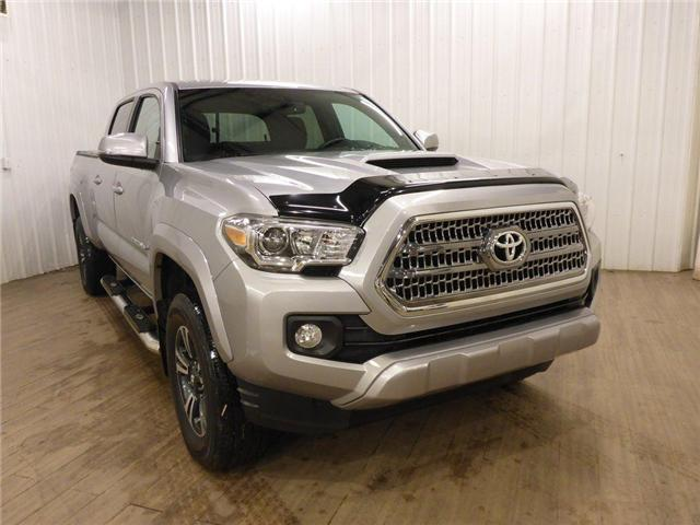 2016 Toyota Tacoma TRD (Stk: 19012189) in Calgary - Image 2 of 30