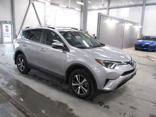 2018 Toyota RAV4 LE (Stk: MX1054) in Ottawa - Image 1 of 20