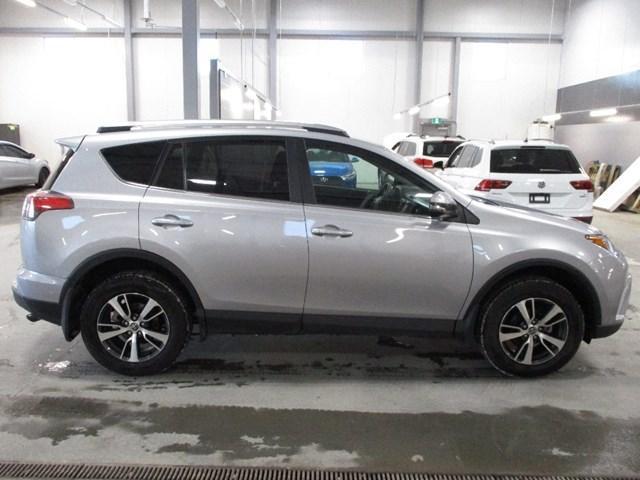 2018 Toyota RAV4 LE (Stk: MX1054) in Ottawa - Image 2 of 20