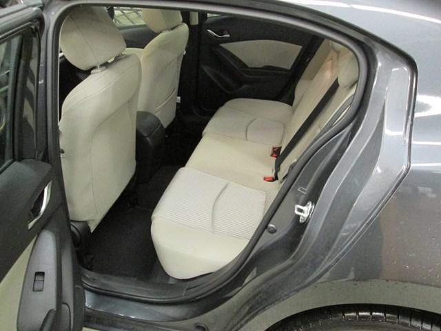 2014 Mazda Mazda3 GT-SKY (Stk: 204561) in Gloucester - Image 11 of 20