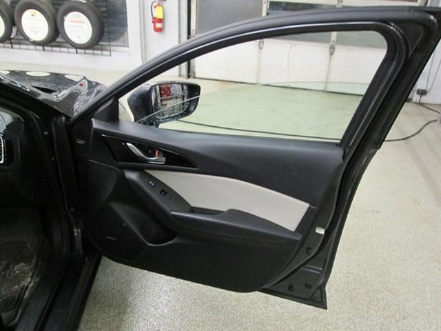 2014 Mazda Mazda3 GT-SKY (Stk: 204561) in Gloucester - Image 14 of 20