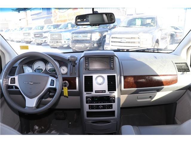 2010 Chrysler Town & Country Touring (Stk: PP339) in Saskatoon - Image 8 of 27