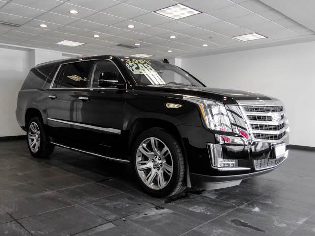 2017 Cadillac Escalade ESV Luxury (Stk: P9-54620) in Burnaby - Image 2 of 25