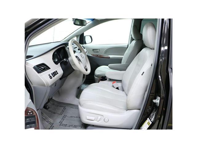 2014 Toyota Sienna XLE 7 Passenger (Stk: 175964) in Kitchener - Image 2 of 22