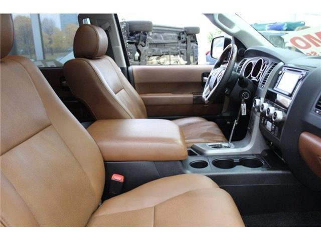 2017 Toyota Sequoia Platinum 5.7L V8 (Stk: D271969) in Markham - Image 16 of 24