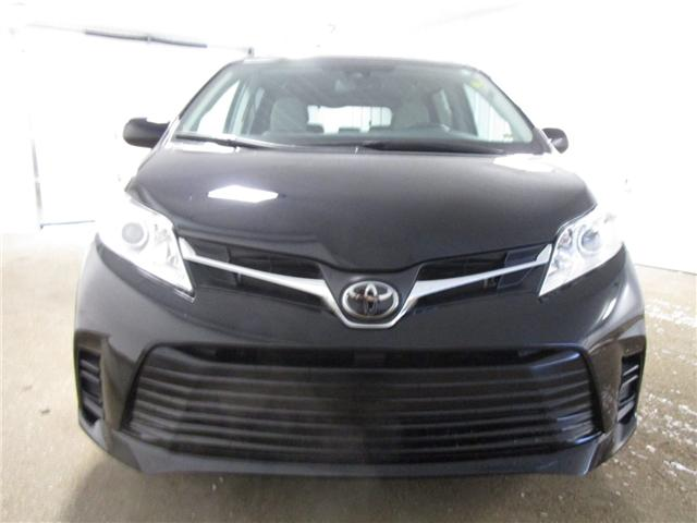 2019 Toyota Sienna LE 8-Passenger (Stk: 193166) in Regina - Image 2 of 18
