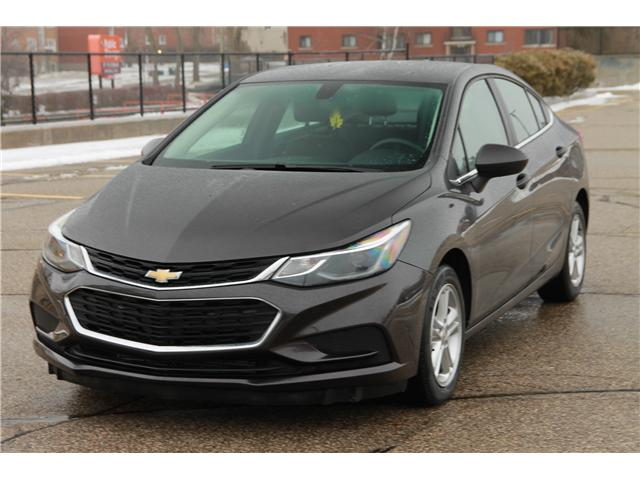 2017 Chevrolet Cruze LT Auto (Stk: 1902042) in Waterloo - Image 1 of 25